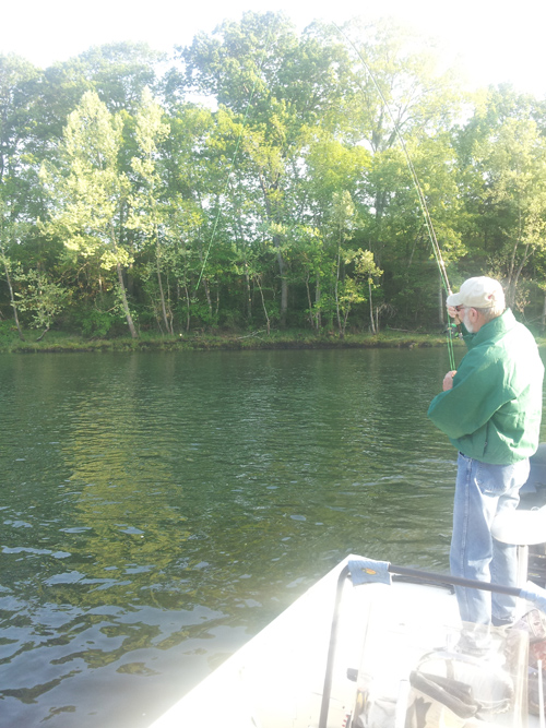 Dicky 39 s lake taneycomo fishing report may 18 upper lake for Lake taneycomo fishing