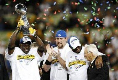 Football Lombardi Lift 2009 Champs.jpg